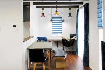 新築事例追加「Black&#038;Red」<br>アンティーク内装・子育て世代の家